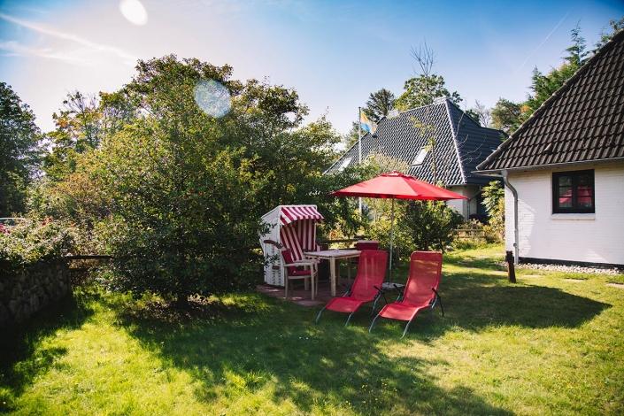 Ferienhaus Möwe Jonathan - Im Gartenbereich des Appartements